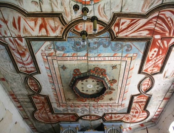 Feldobolyi templom mennyezete