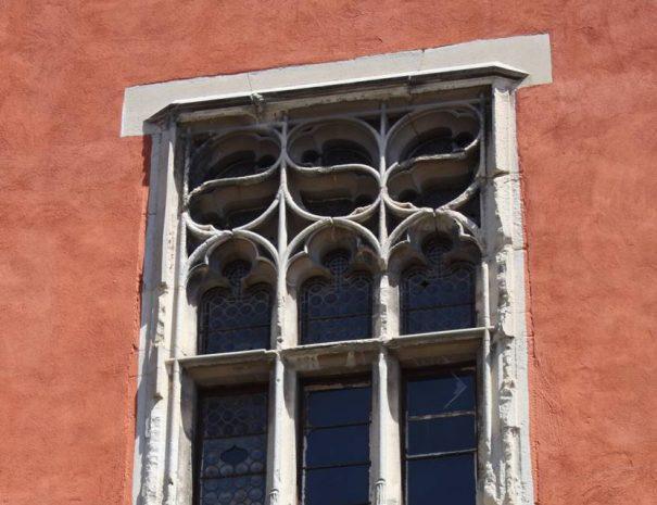 Az egykori ferences kolostor gótikus ablaka