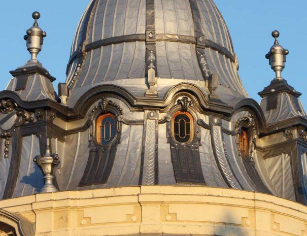 Státus-paloták egyike