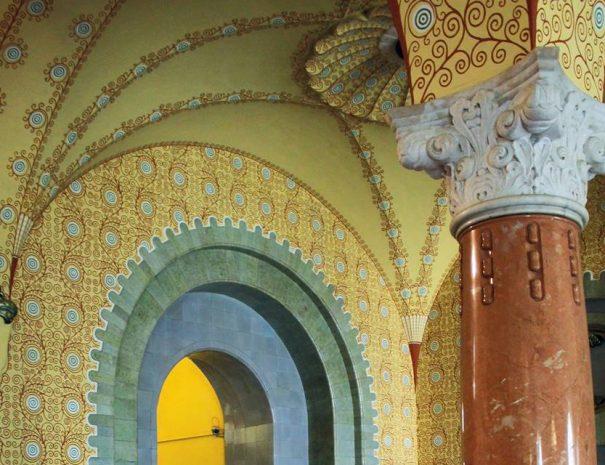 Marosvásárhelyi városháza előcsarnoka