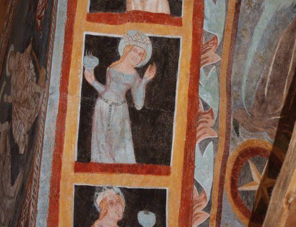 Okos és balga szüzek a póniki templomban